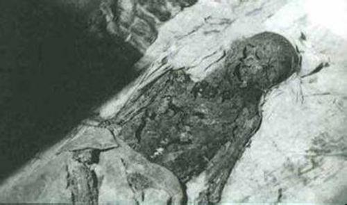 慈禧太后墓的出土照片 慈禧太后清晰遗体