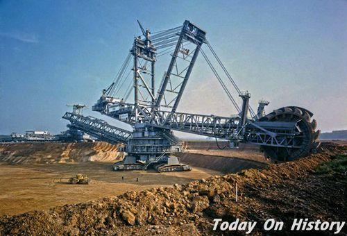 世界最大的挖掘机 占地面积约为2.5个足球场!