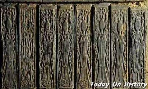 襄阳发现27座六朝古墓 出土文物价值可观