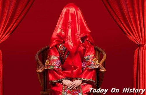 古时结婚新娘为何要盖红盖头 盖红盖头寓意是什么