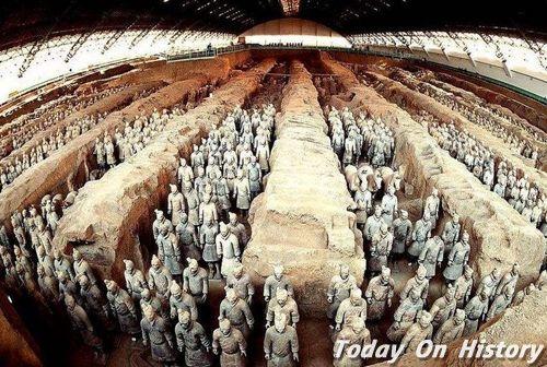秦始皇陵兵马俑之间的土堆是什么 它们都有什么作用