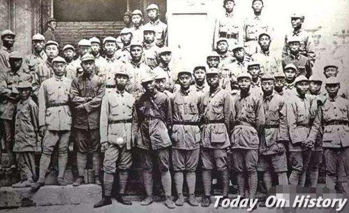 """抗战时期八路军为何要""""绑腿"""" 抗美援朝时期为何不绑了"""